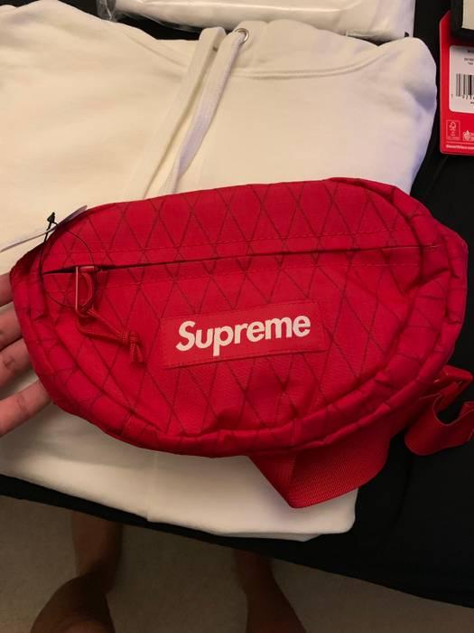b313e207a80e Supreme Supreme Waist Bag (FW18) Red Size one size - Bags   Luggage ...