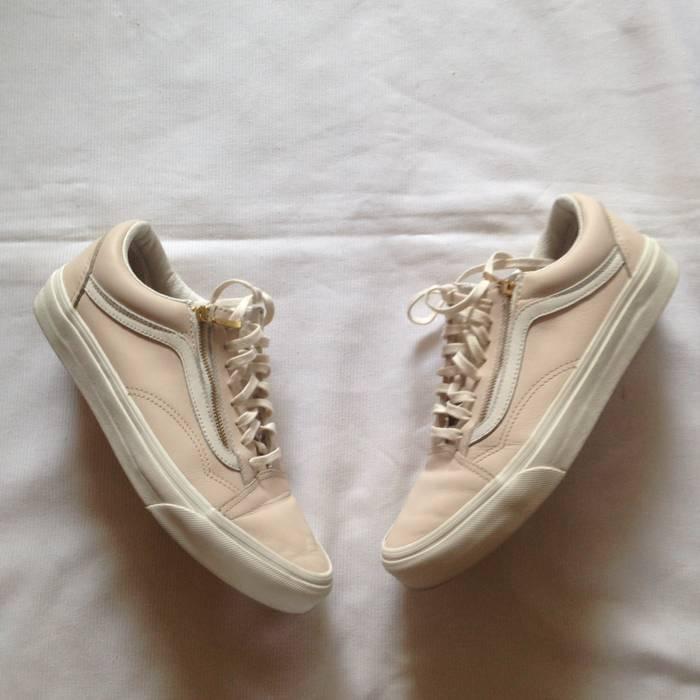 fe424e7cbb Vans. Old Skool Zip Leather Whispering Pink. Size  US 7.5   EU 40-41