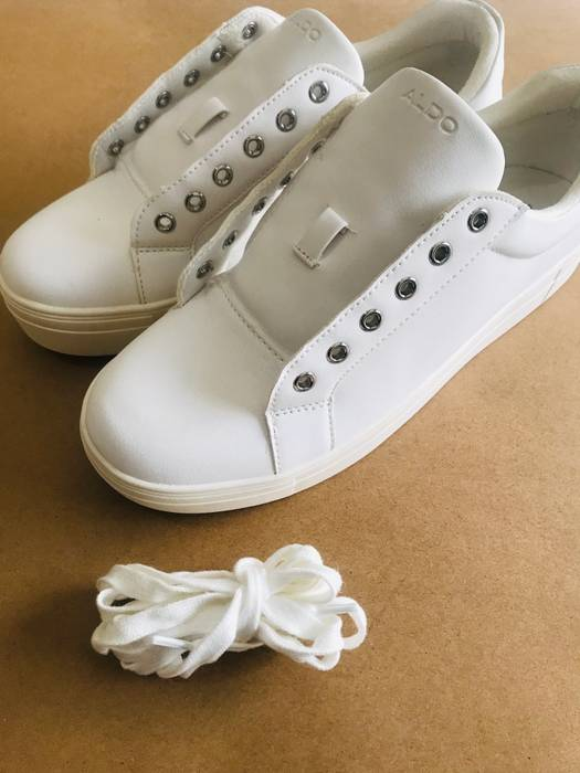 fac1bf409400 Aldo White ALDO low top sneakers Size 10 - Low-Top Sneakers for Sale ...