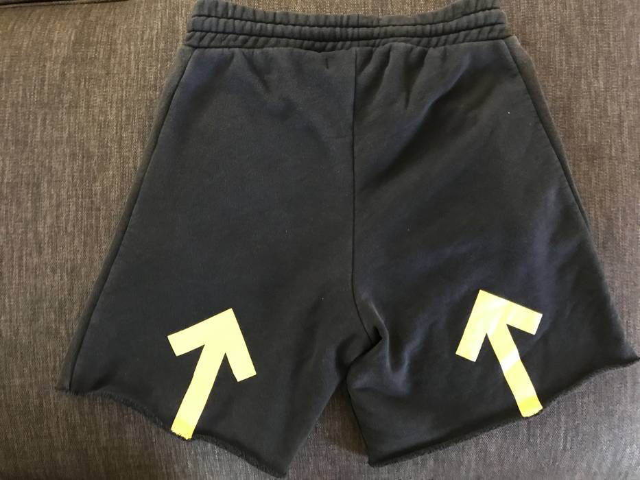 0bfed891f0a2 Off-White Black   Yellow Arrows Shorts Size 30 - Shorts for Sale ...