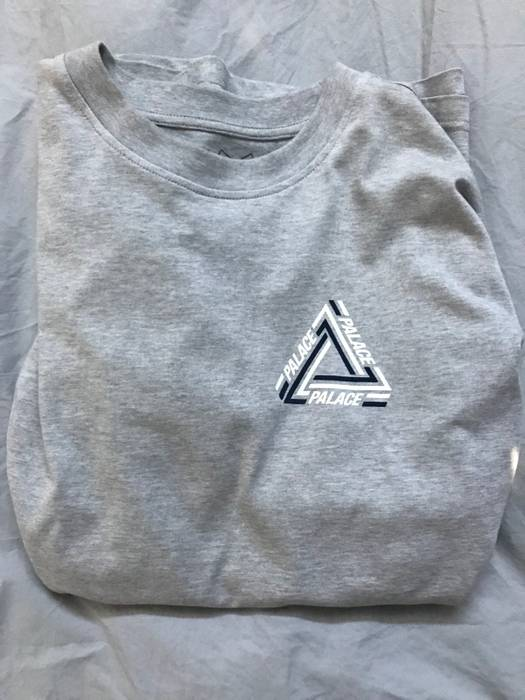 3f2171dcef7b Palace Tri Crib Tee Size xl - Short Sleeve T-Shirts for Sale - Grailed