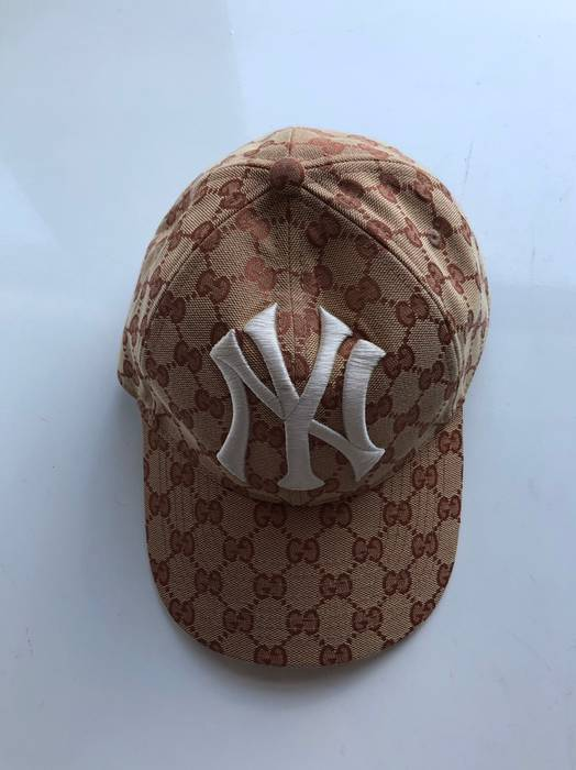 Gucci Gucci New Era Hat Size one size - Hats for Sale - Grailed 670fe13b148
