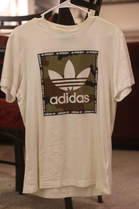 sports shoes 2d9b1 92e42 Adidas Adidas Trefoil Logo Camo Box Size US M   EU 48-50   2