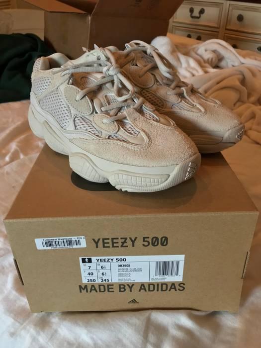 aa87062343e Yeezy Boost Mudrat 500 Blush Size 7 Low Top Sneakers