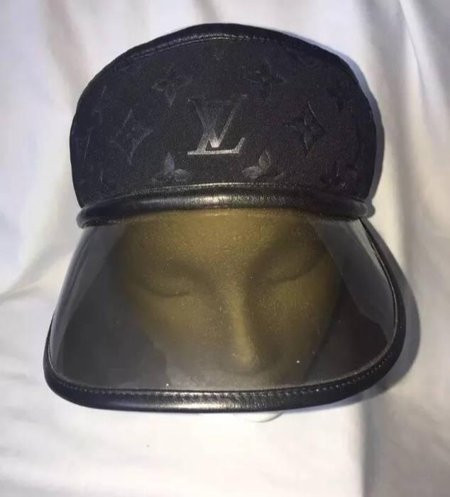 2ae4715d22c Louis Vuitton Authentic Mint Louis Vuitton Paris Monogram Scuba Black Visor  Hat Size ONE SIZE -
