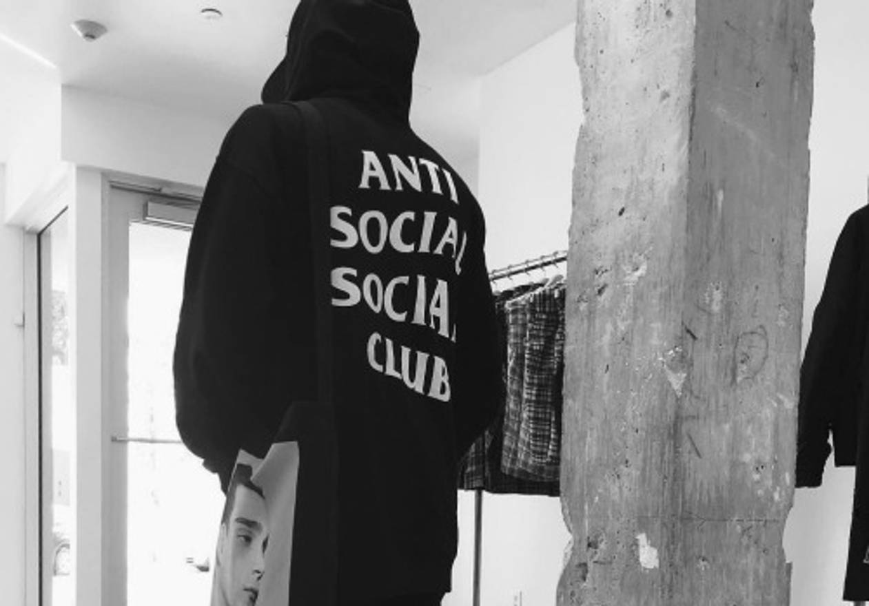 Antisocial Social Club Mind Games Hoodie Black Anti ASSC Sweater M Size US