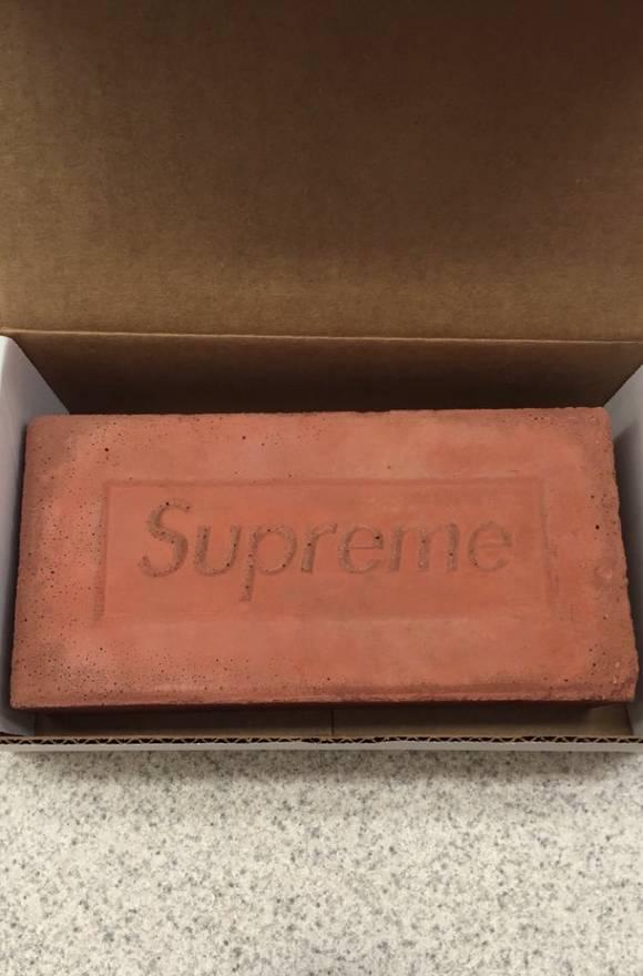 Supreme Brick Accessory FW16 Size ONE SIZE