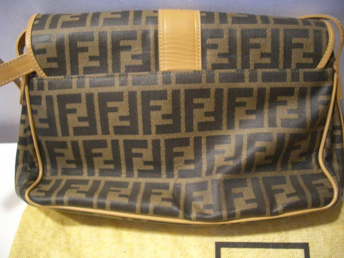 89ca09c2af9e ... italy fendi fendi side bag size one size 3 6cdfa d9ed1 get used ...