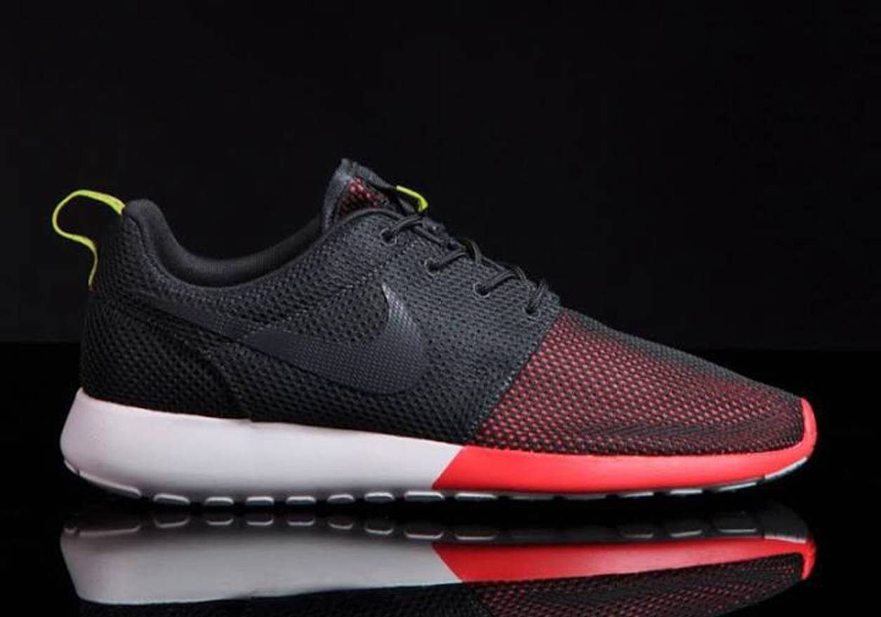 691c53a61ba7 ... hot nike roshe run mens mesh uppers sport red black white size us 11.5  eu 44