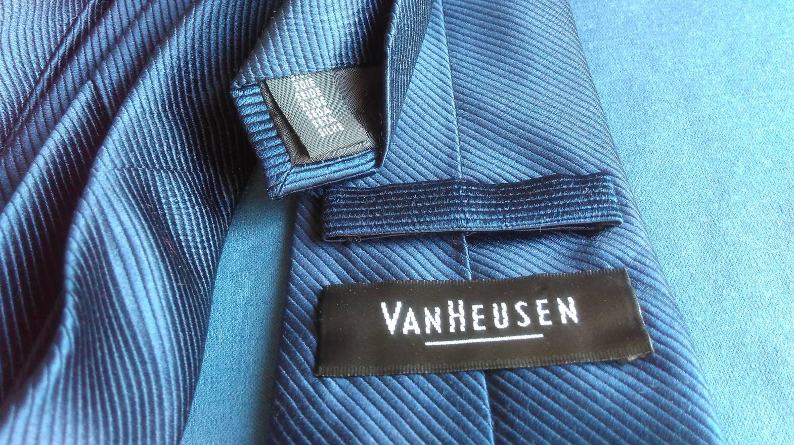 Van Heusen VAN HEUSEN SILK NECKTIE Pop Art Deco Wide Navy Blue Men ...