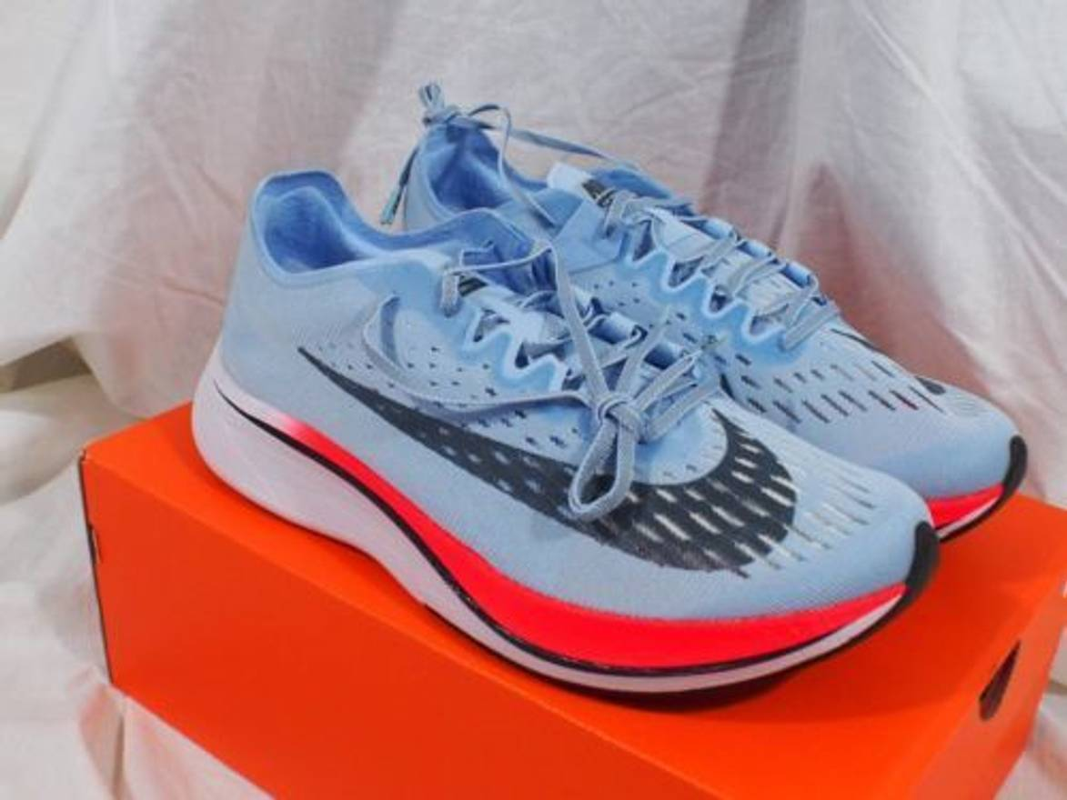 Nike Zoom Vaporfly 4% Size 9.5