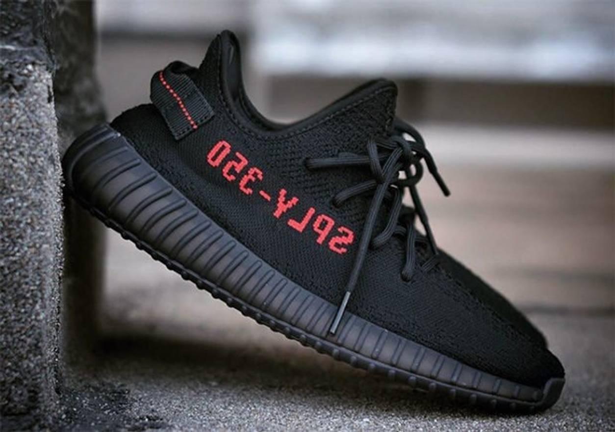 f633a13544c62 ... australia adidas kanye west ds brand new adidas yeezy boost 350v2 black  red bred f2ba8 72af8