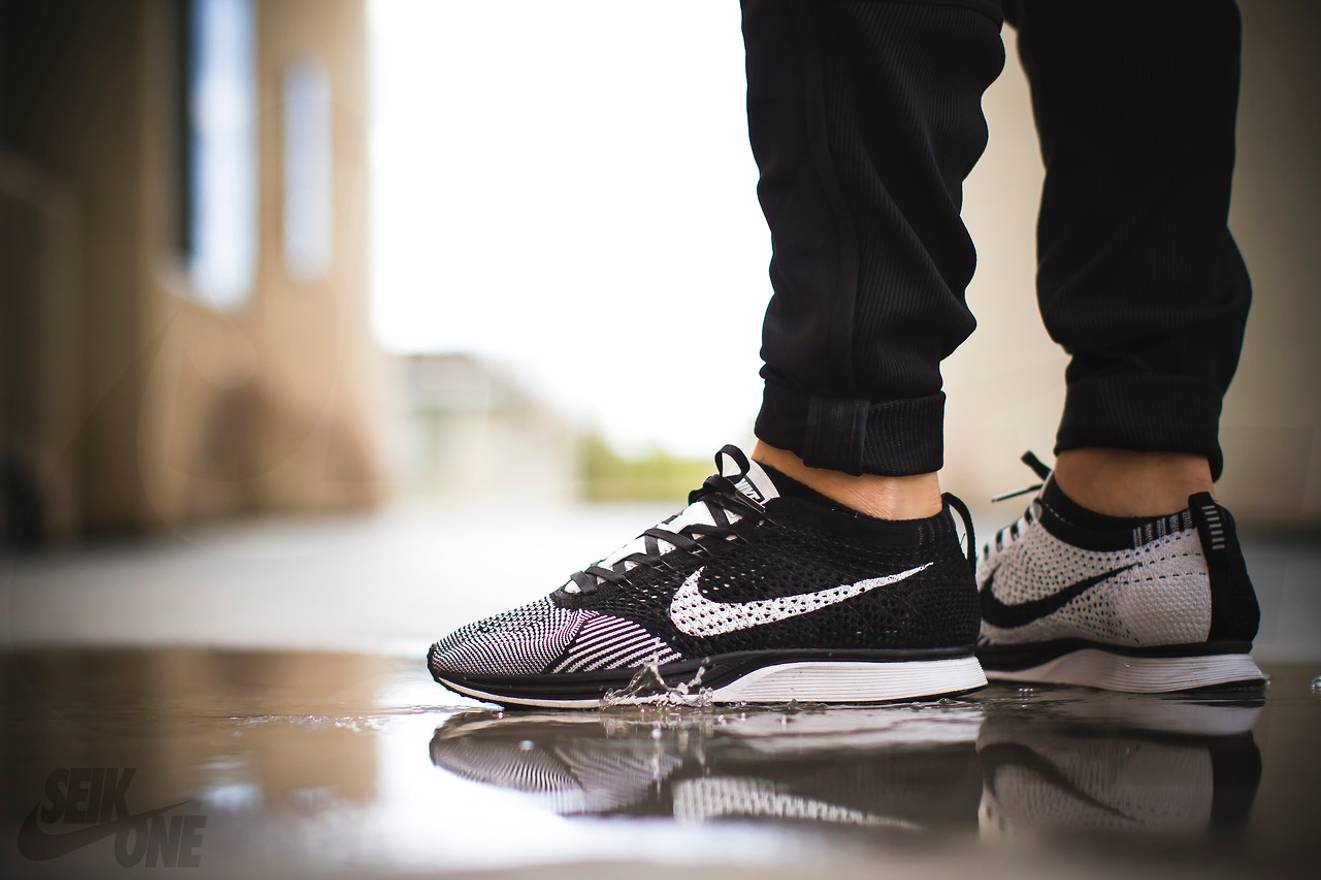 e993574d0ee1 Nike Flyknit Racer Black White Size US 10.5 EU 43-44 ...