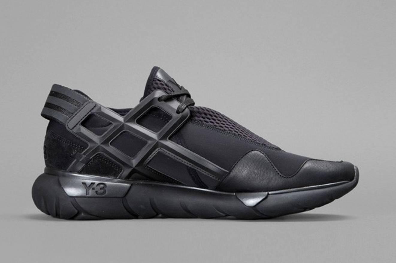 65fb7de4d9905 ... greece adidas y3 qasa racer low triple black size us 12.5 eu 45 4c506  f15ee