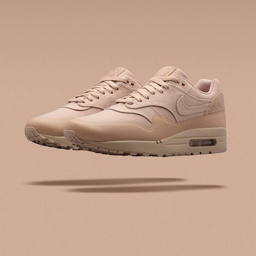 27cd23c06b Nike Air Max 1 Patch (sand) Size US 9.5 EU 42-43 .