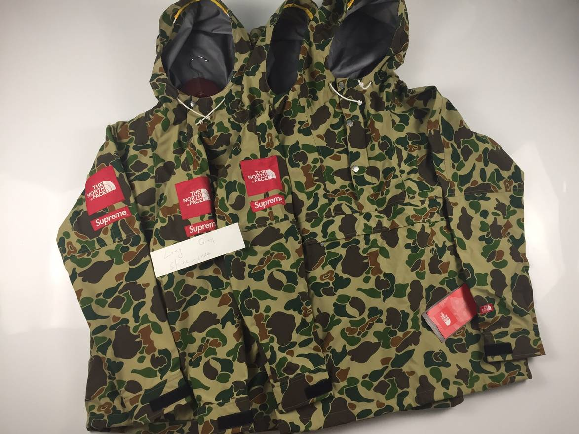 67676447c6 ... sale supreme supreme tnf 10ss duck camo expedition jacket.size  large.dswt condition size