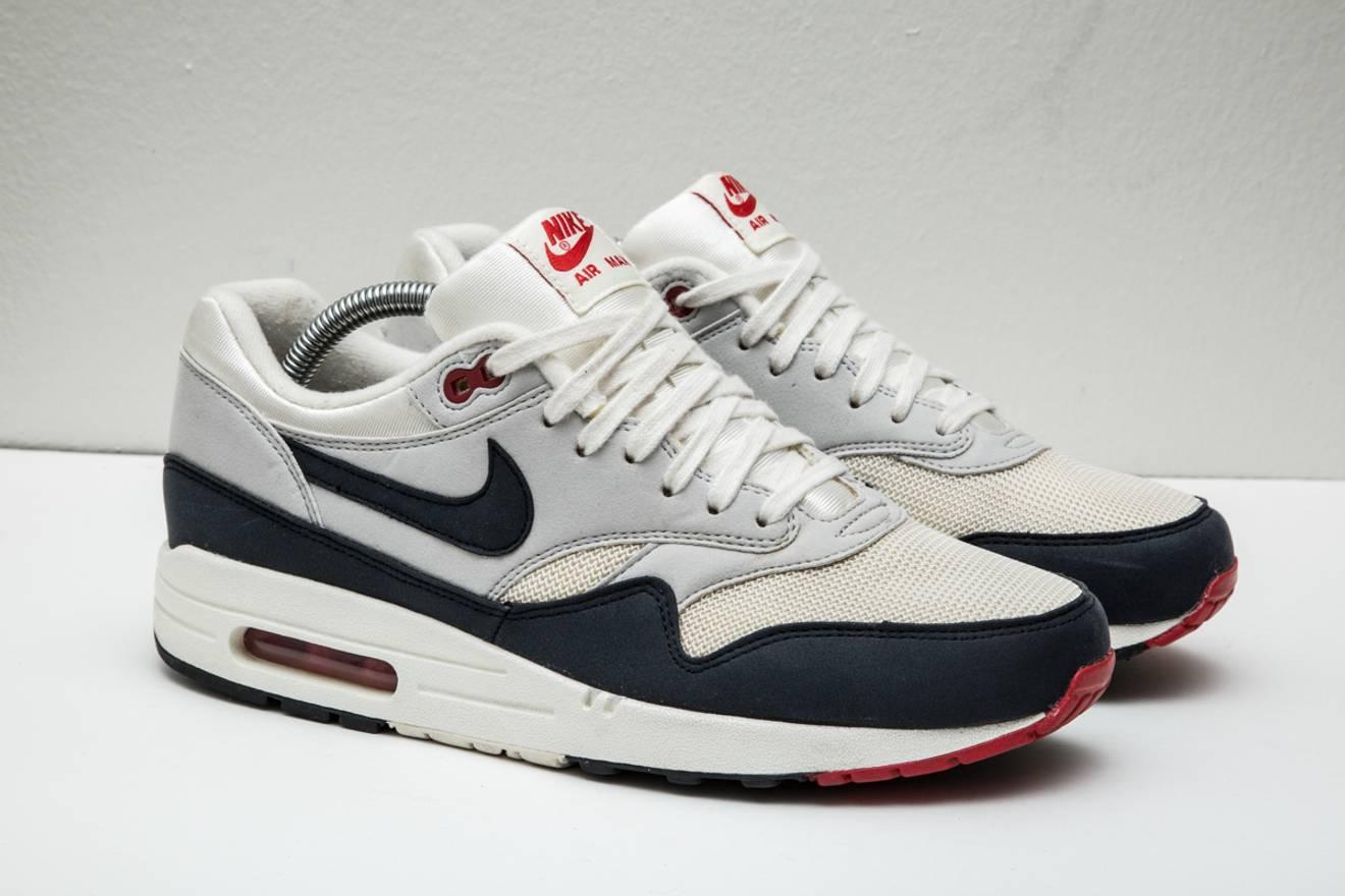 best sneakers 7ba15 1f0e2 ... closeout nike vintage nike air max 1 og sail dark obsidian grey size  8.5 2012 554717