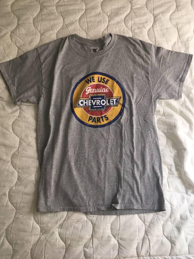 Chevy Vintage Chevrolet Parts Grey T-Shirt Size l - Short Sleeve T ...