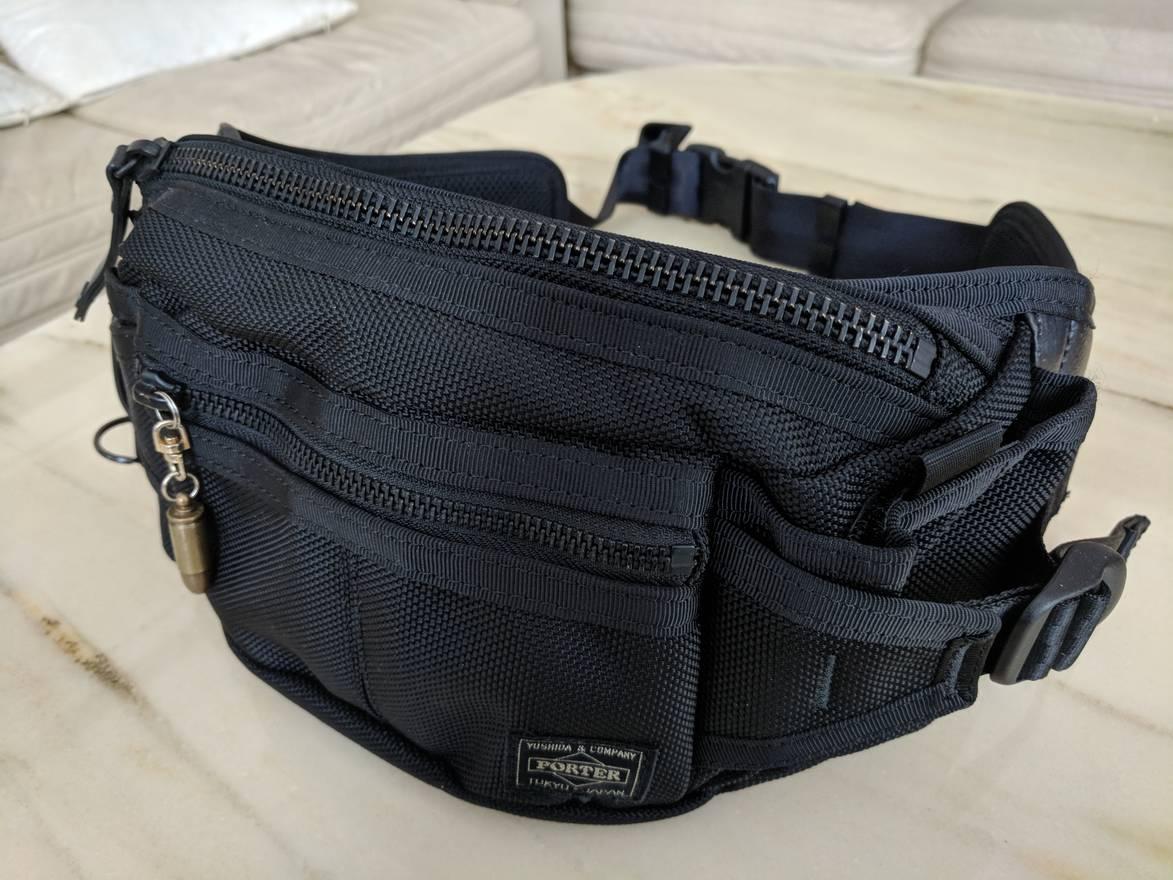... brand new 825e3 ae211 Head Porter OG Head Porter Black Heat Waist Bag  Size ONE SIZE ... c0759592de