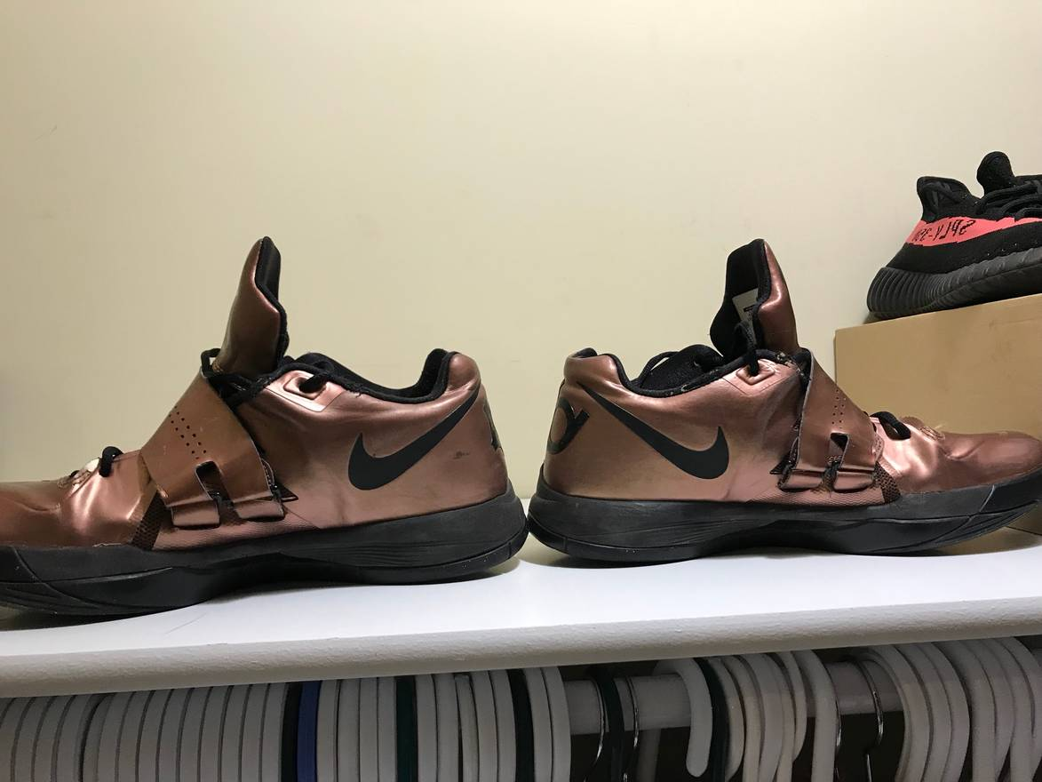 Nike KD 4 Christmas Size 10.5 - Low-Top Sneakers for Sale - Grailed