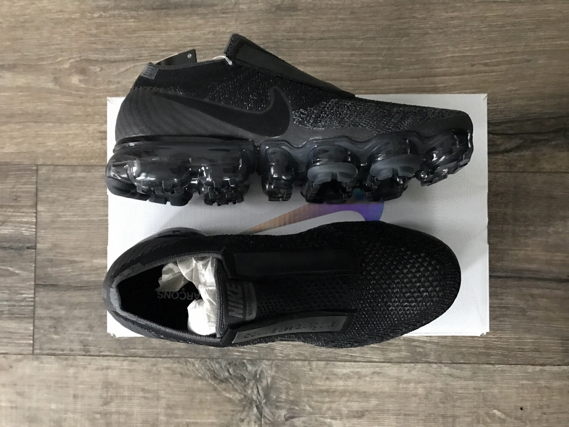 Cdg x nike vapormax releasing on march 1 at 9 am at Villa Tottebo