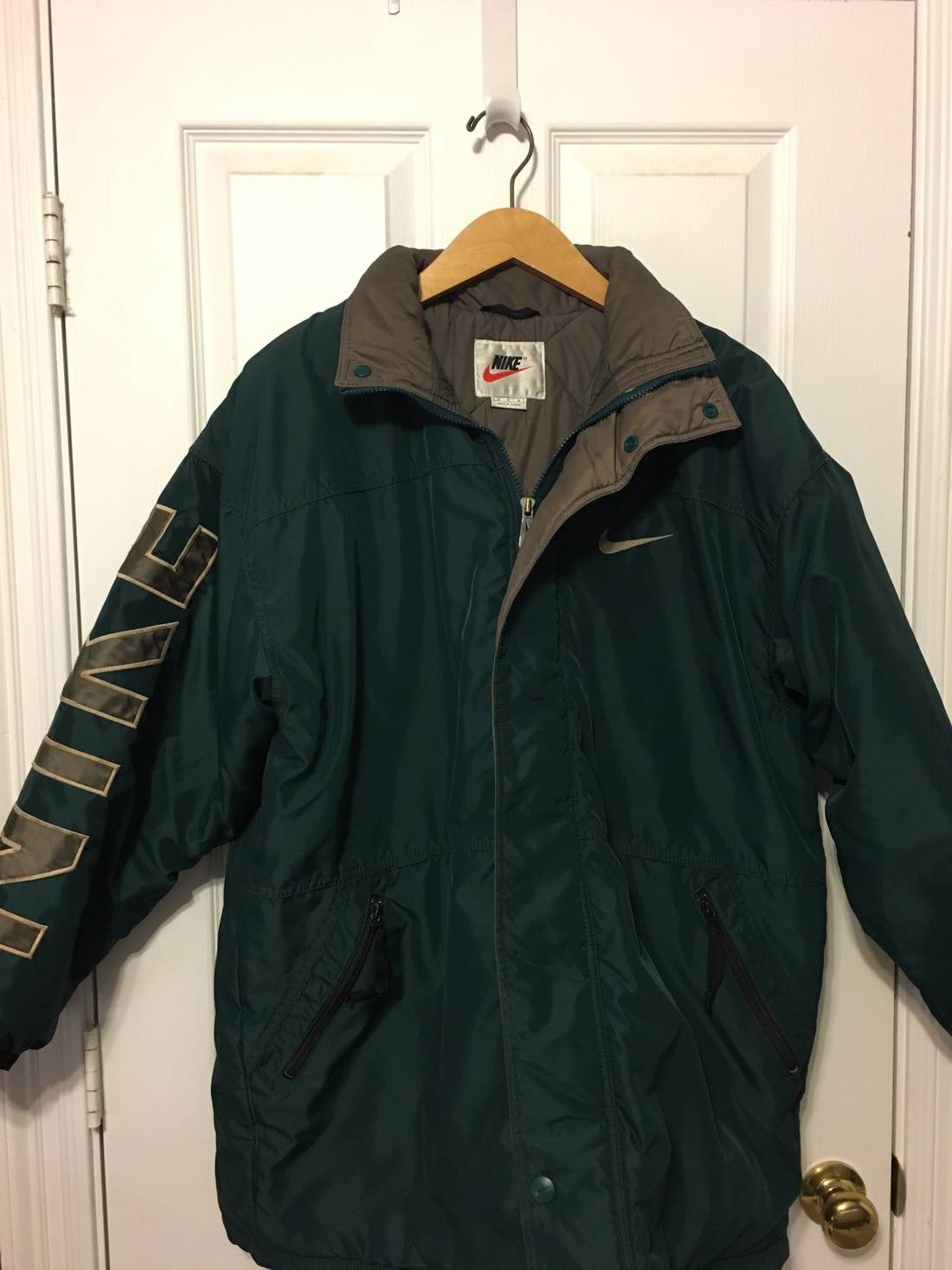 Vintage 90's NIKE SWOOSH Big Logo Nike Embroidered Spell Out Basketball Parka Jacket Hoodie Size Large K7eMb