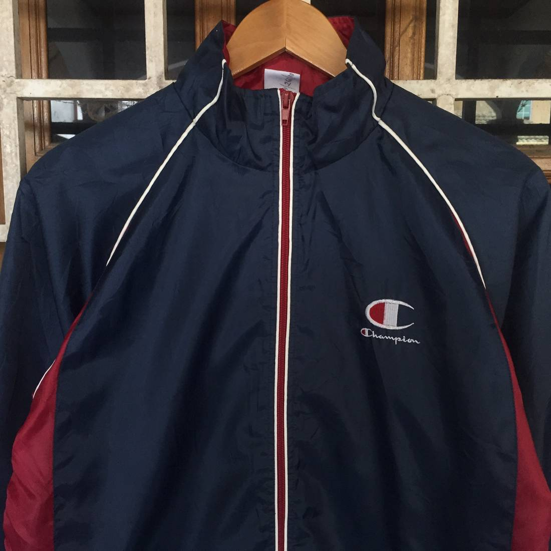 Sale!! CHAMPION Jacket Windbreaker Full Zipper Excellent Condition Medium Size 3unvK1