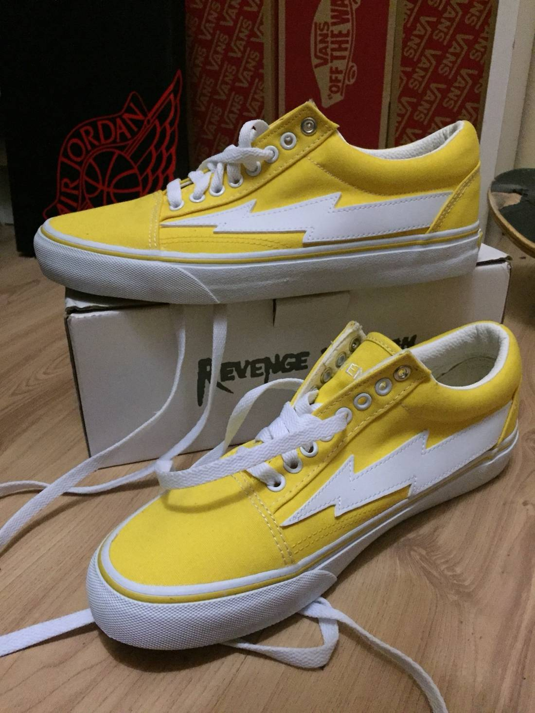 a7c3f6501b59f9 ... website full of sneakers half off Ian Connor Revenge X Storm Vol 1  Yellow Size US ...