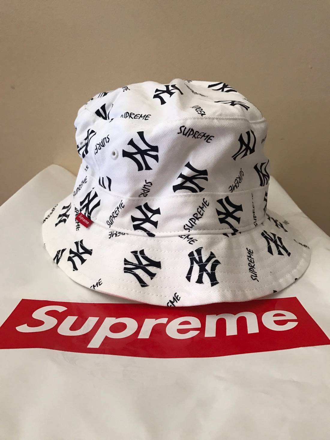 cd38be7c606 ... order supreme supreme x new york yankees bucket hat size one size 1fbba  33d3f