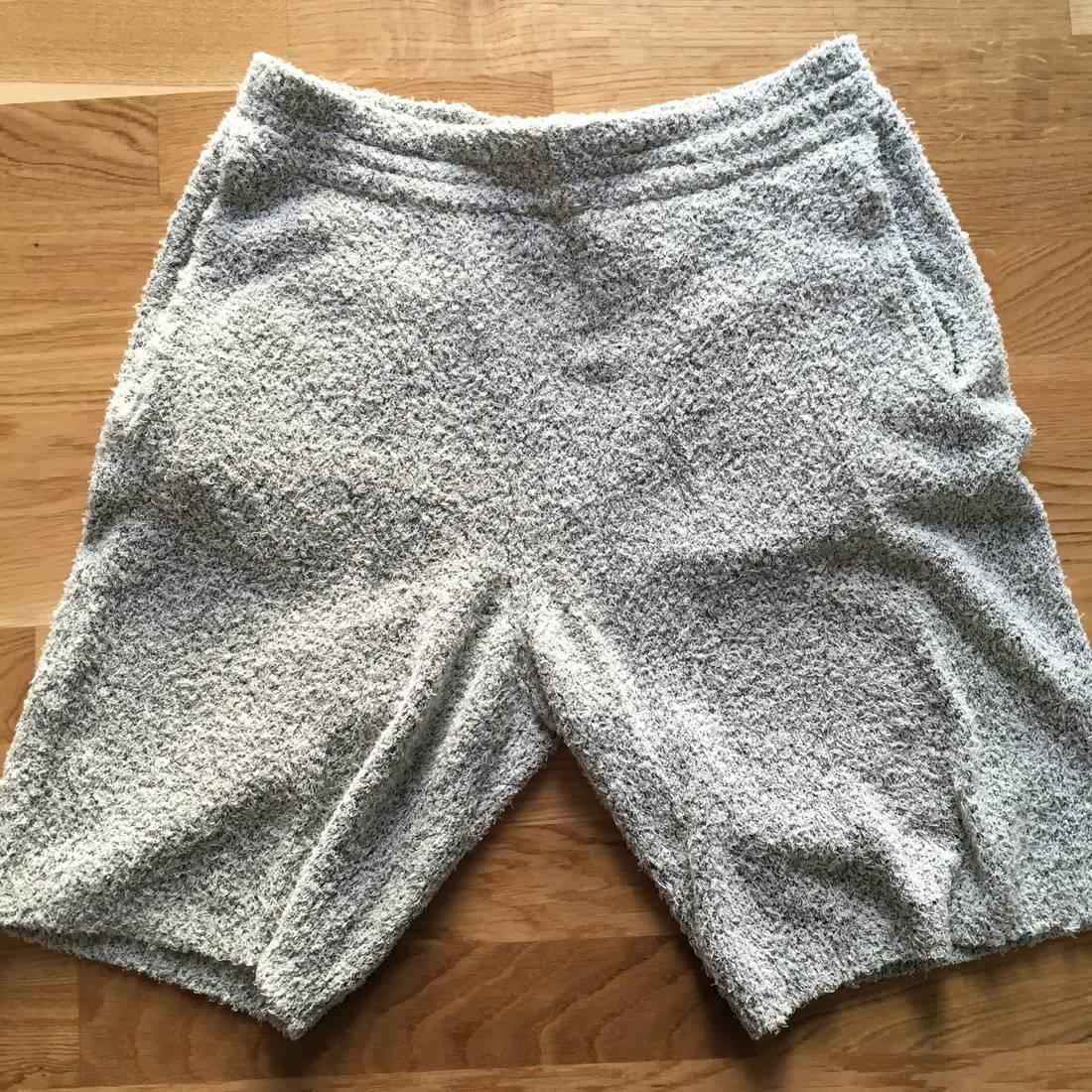 Maison Margiela Textured Knit Shorts Size 33 - Shorts for Sale - Grailed