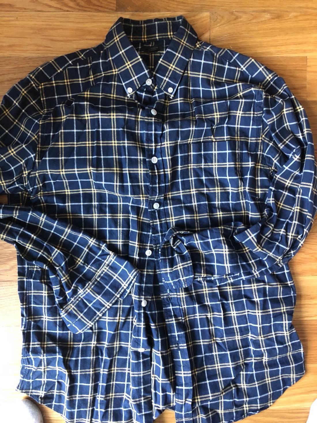 5e127c896 J Crew Womens Blue Plaid Shirt