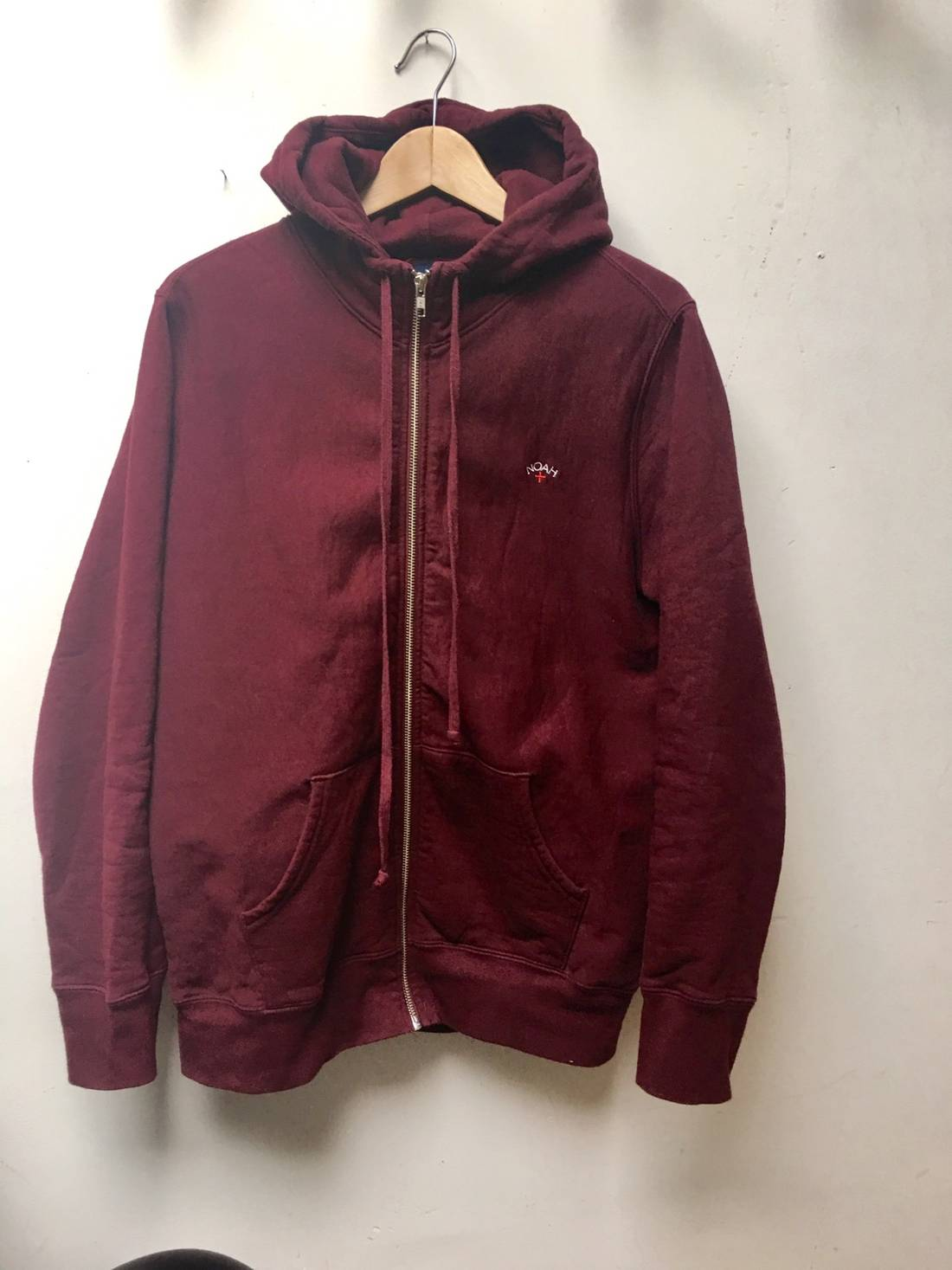 Noah Burgundy Hoodie Sweater Zipped Size m - Sweatshirts & Hoodies ...