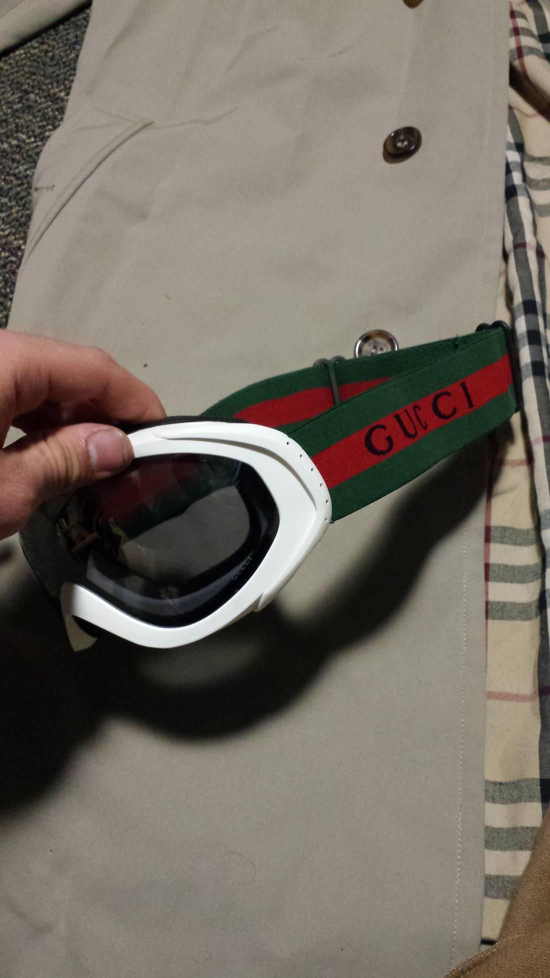 gucci goggles. gucci goggles size one size
