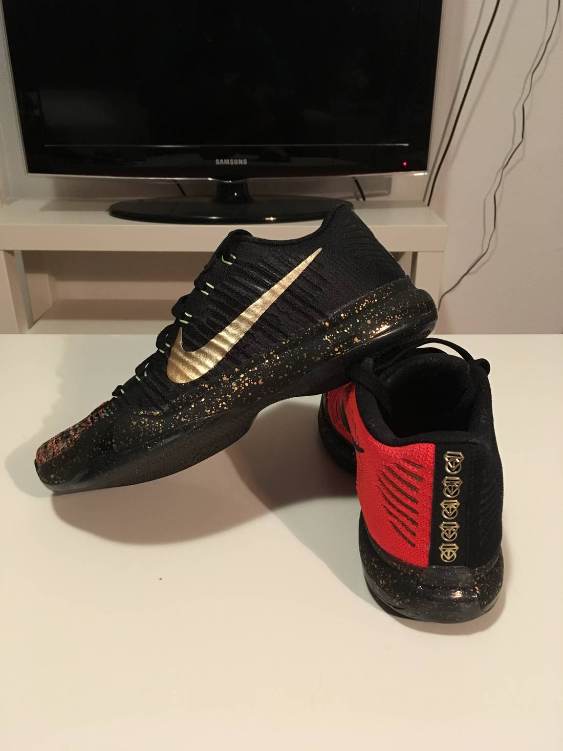 Nike Nike Kobe 10 Elite Christmas Size 8 - Low-Top Sneakers for Sale ...