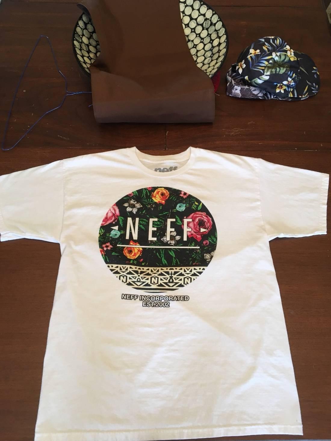 Neff White Neff Shirt With Flowers Size L Short Sleeve T Shirts