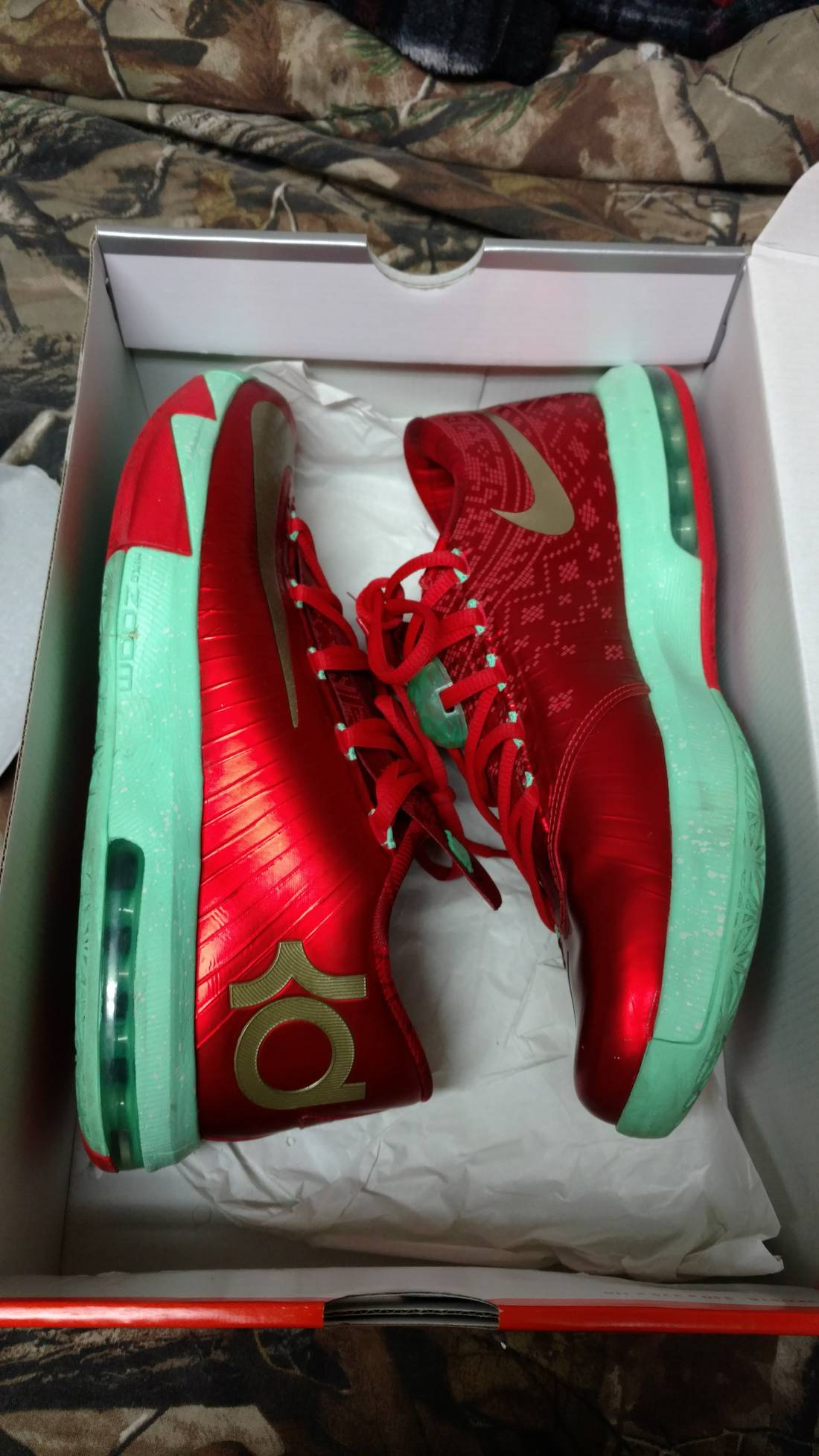 Nike KD 6 Christmas Size 8.5 - Low-Top Sneakers for Sale - Grailed