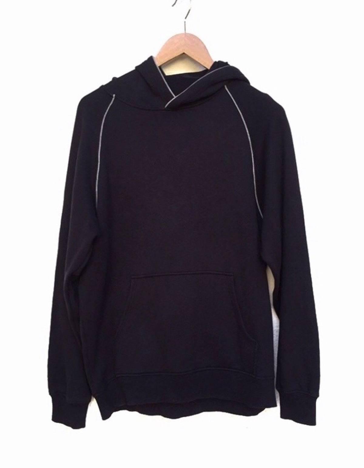 Uniqlo Uniqlo Nice Sweatshirt With Hoodies Grailed