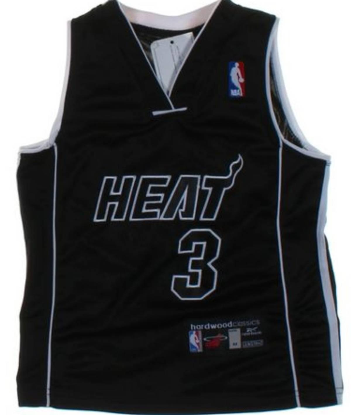 Reebok Reebok Dwayne Wade Jersey Miami Heat Kids Medium Grailed