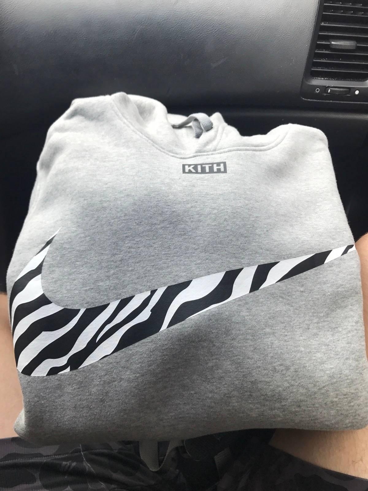 Kith X Nike Zebra Swoosh Tee Grey Size Small In Hand Ships Today