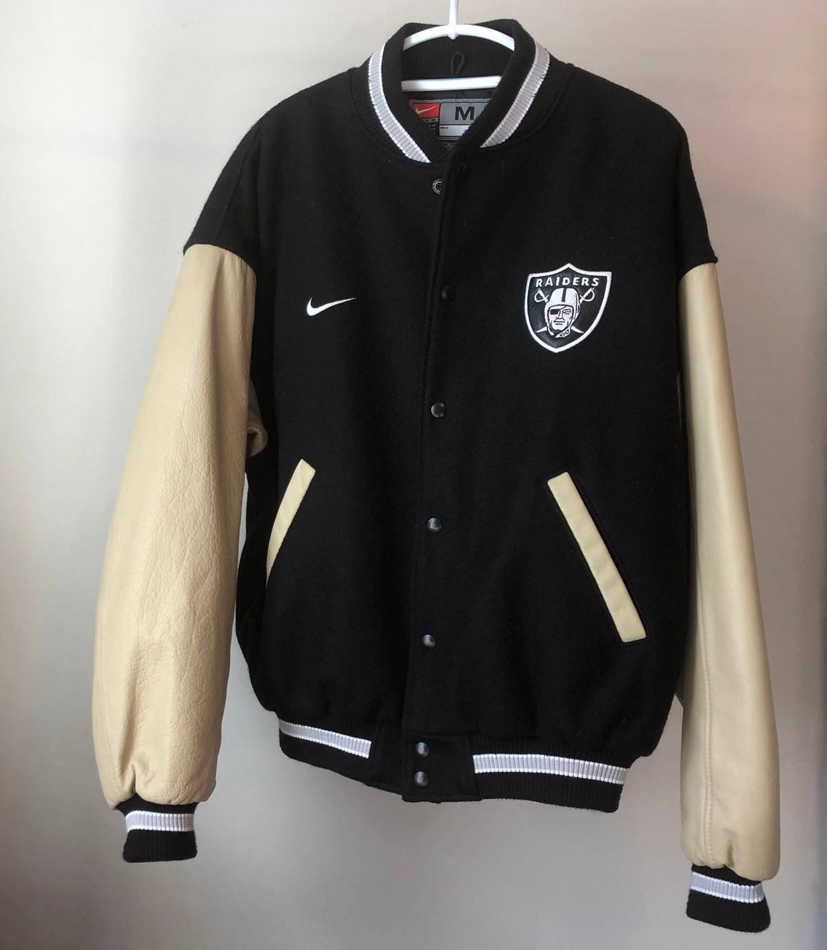 muestra ensayo alguna cosa  Nike Nike Oakland Raiders Jacket | Grailed