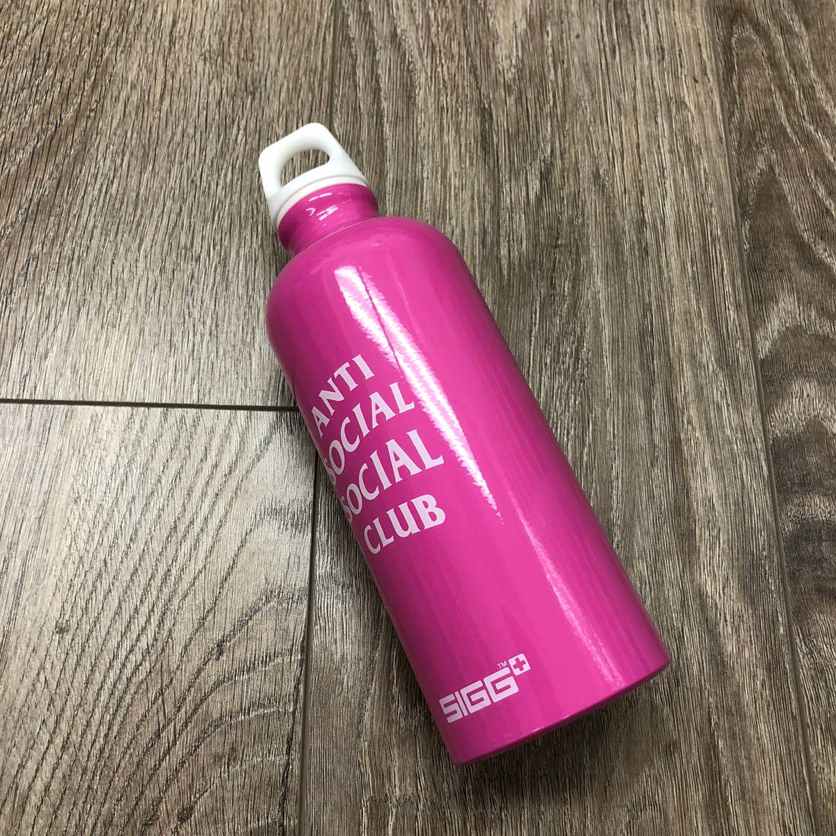 Auth Anti Social Social Club ASSC x SIGG water bottle SUPREME BAPE in hand