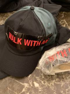 best service 3760e e8ad1 Raf Simons Walk with me type hat