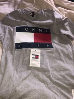 5af4a953929 Kith Nyc × Tommy Hilfiger Kith Tommy Hilfiger Grey Flag Tee Shirt