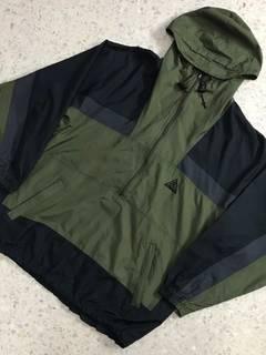 b076897bbfe4c Nike ACG Men's Clothing: Light Jackets, Short Sleeve T-Shirts & More ...