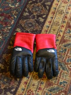 8e4e32ef8 Supreme Supreme X The North Face Leather Gloves Yellow | Grailed
