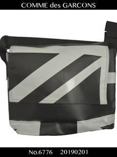 d360357e252 Comme des Garcons COMME des GARCONS   Union Jack shoulder bag
