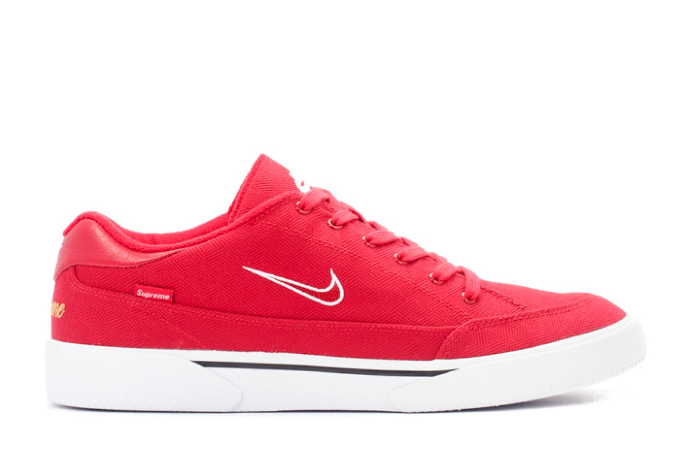 Supreme x Nike SB GTS (2015)
