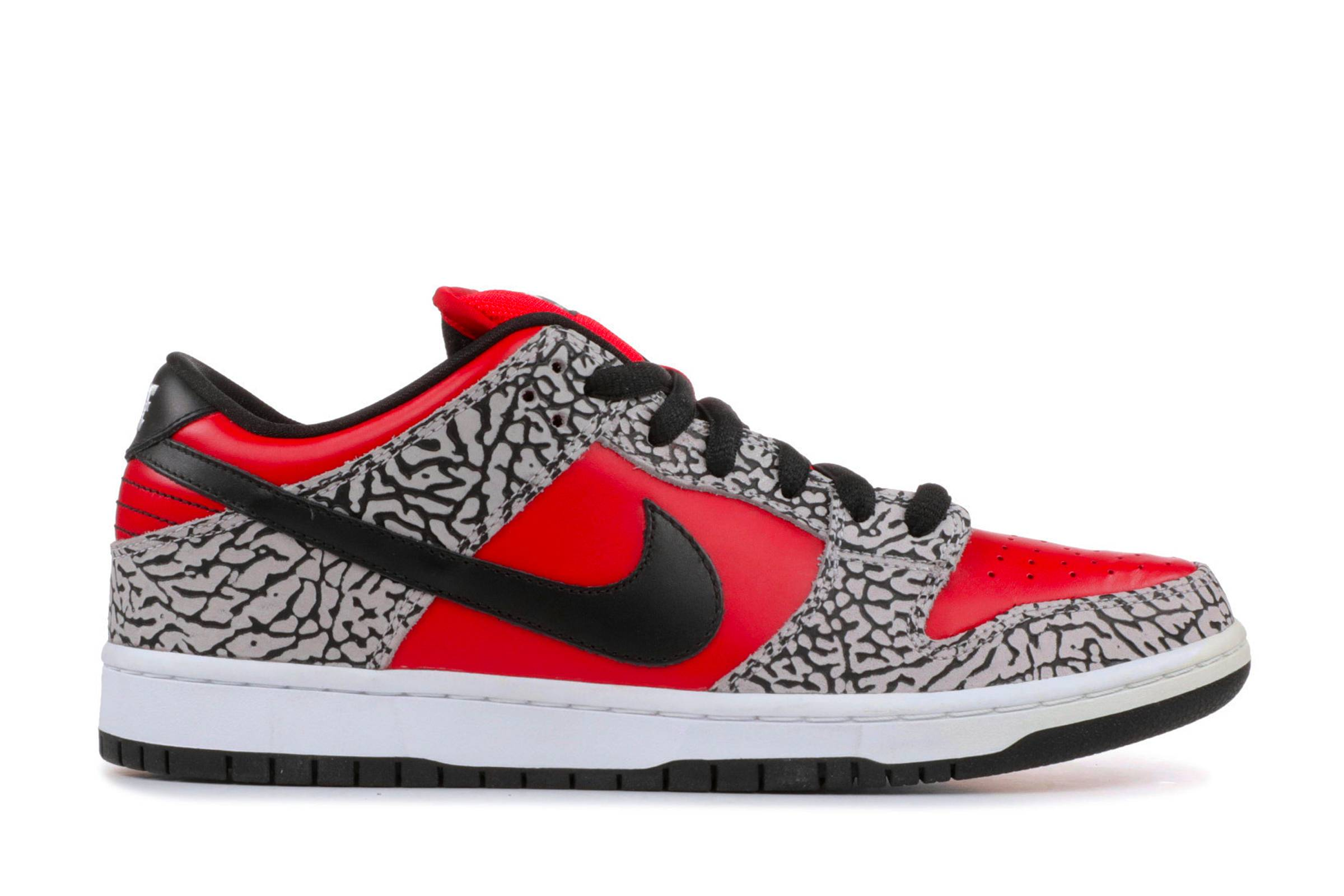 "Supreme x Nike SB Dunk Low Pro ""Red Cement"""