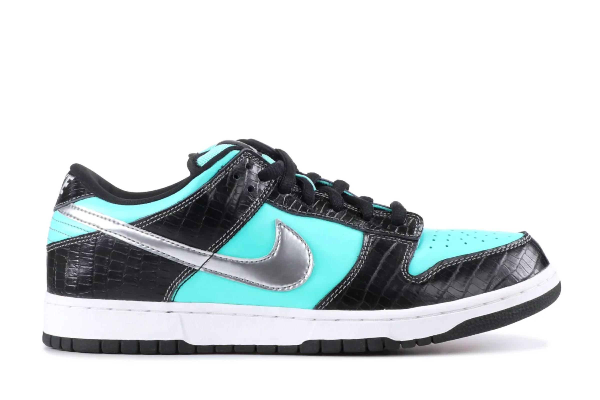 "Diamond Supply Co. x Nike SB Dunk Low ""Tiffany"""