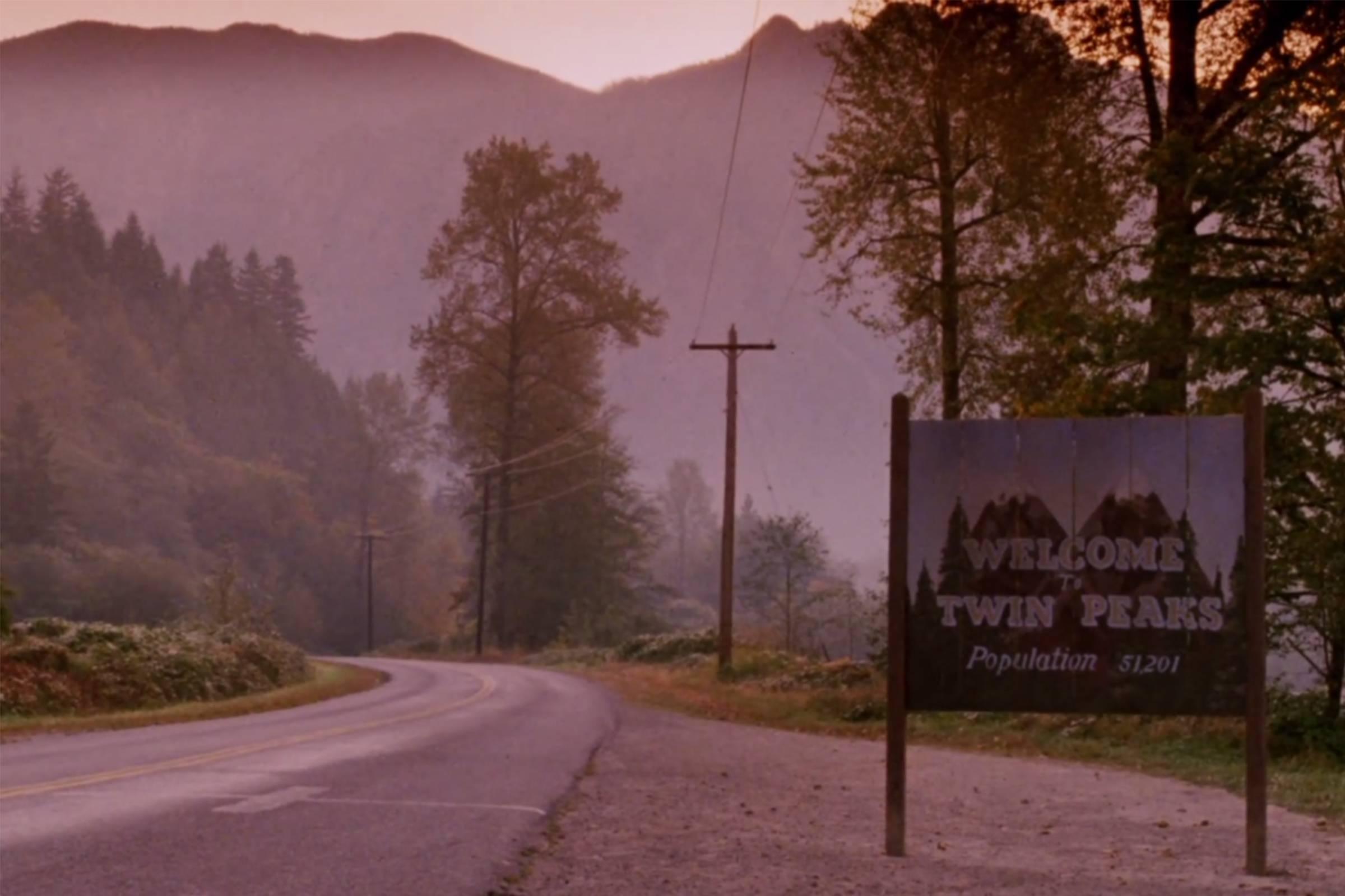 Twin Peaks' Endearingly Haunting Fashion Legacy